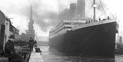 Στις 11.40 μ.μ. στις 14 Απριλίου του 1912, το πολυτελές και μεγαλύτερο πλοίο ο Τιτανικός συγκρούστηκε με παγόβουνο στον Ατλαντικό Ωκεανό κ...