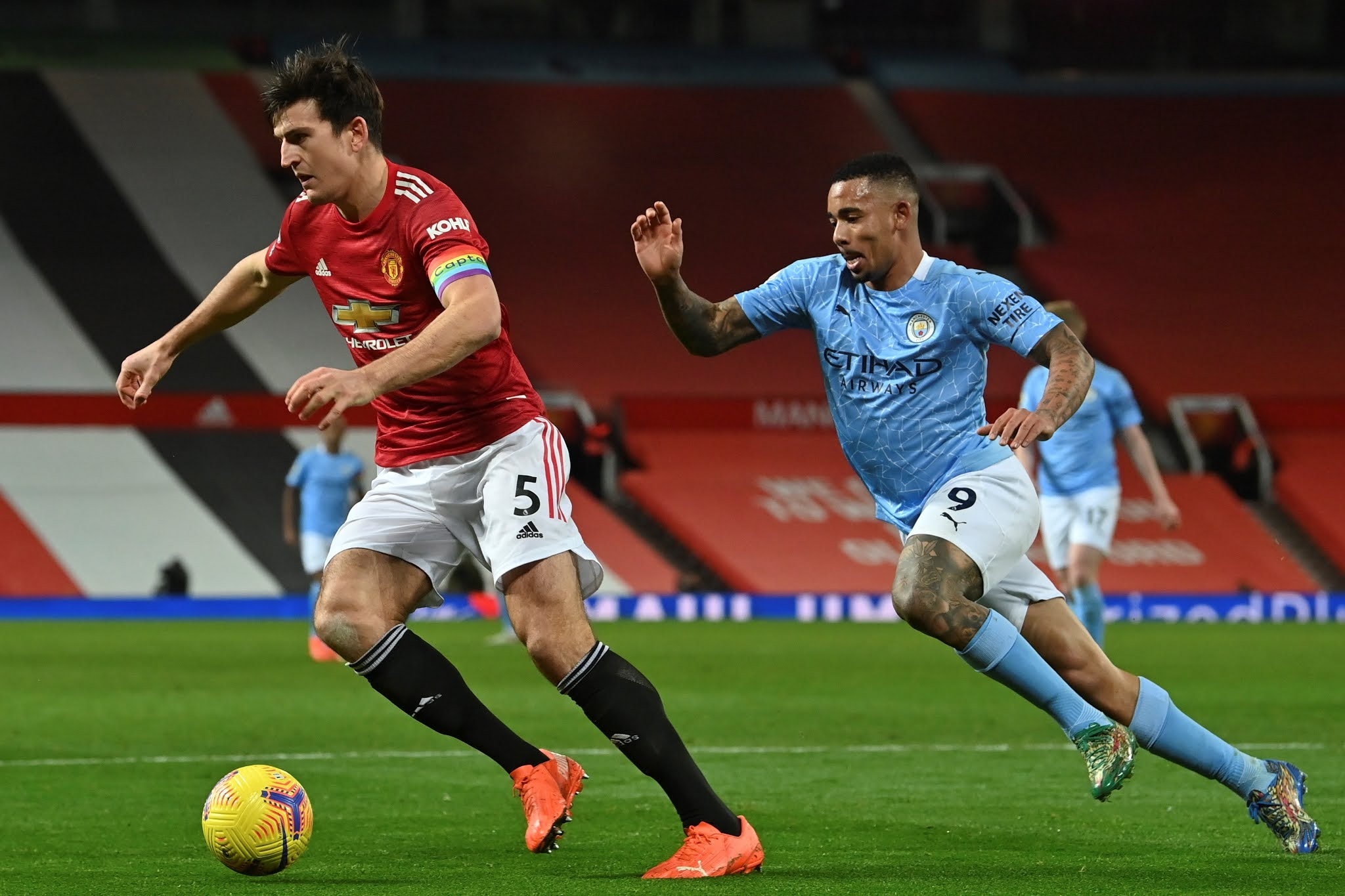 United y City aburrieron en el derbi de Manchester