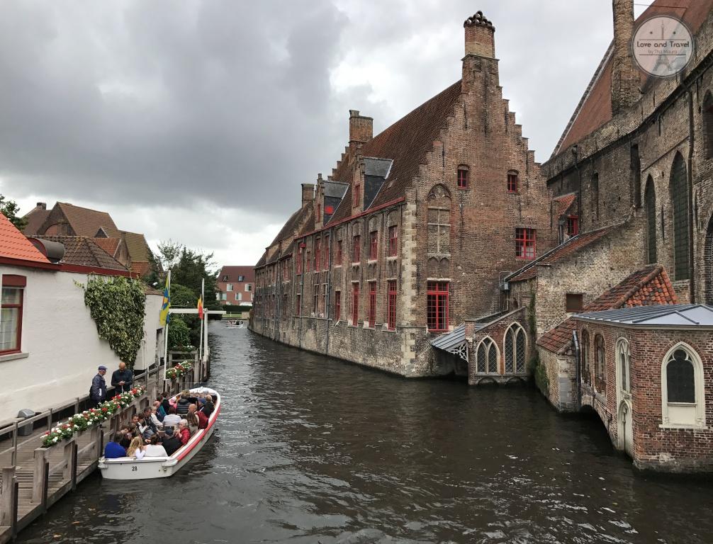 passeio de barco em Bruges Bélgica