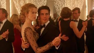 Fotograma de la película que muestra a Tom Cruise y Nicole Kidman bailando