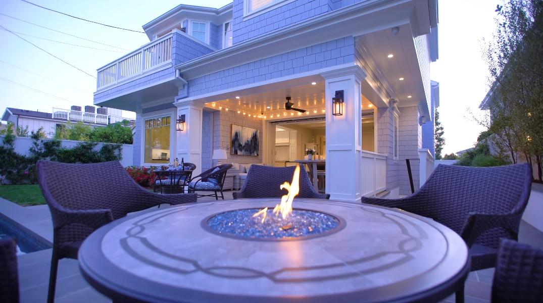 43 Photos vs. Tour 1116 Fiske St, Pacific Palisades, CA Luxury Home Interior Design
