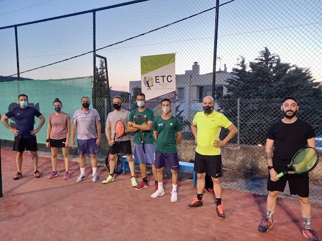 Φωτογραφίες από την  3η μέρα του «1st Tennis Camp for junior and adult players» στα Πεύκα