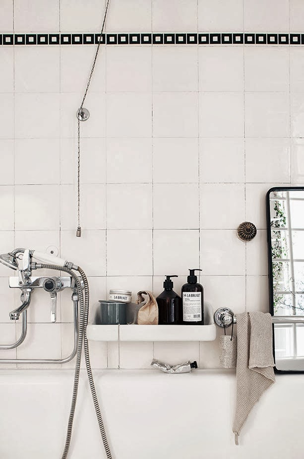 my scandinavian home a romantic old school bathroom with a modern twist. Black Bedroom Furniture Sets. Home Design Ideas