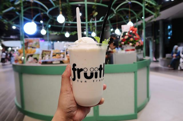 Coconut Float Smoothie @ Fruitlala, Central i-City