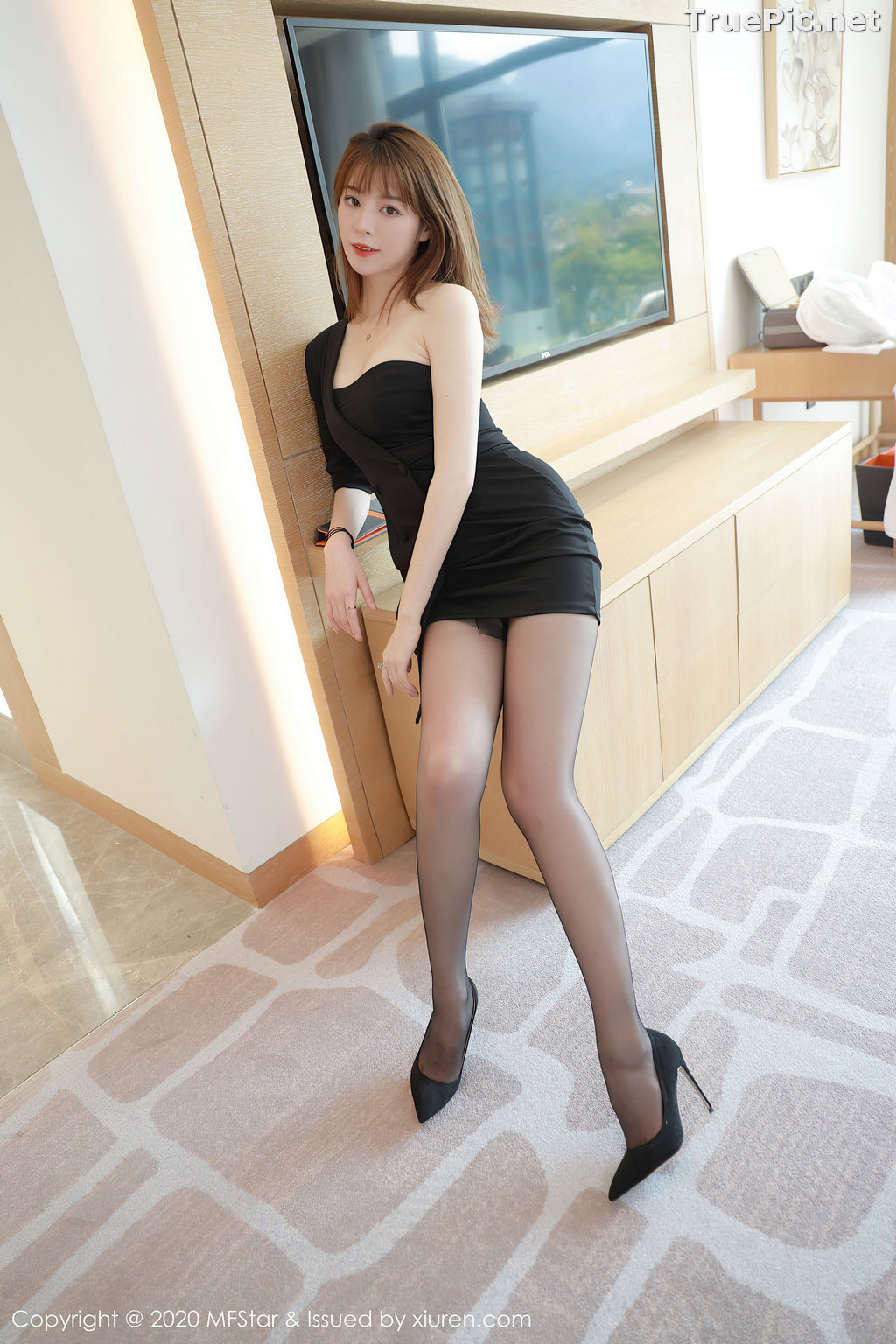 Image MFStar Vol.405 - Chinese Model - Yoo优优 - Hot Woman in Black - TruePic.net - Picture-9