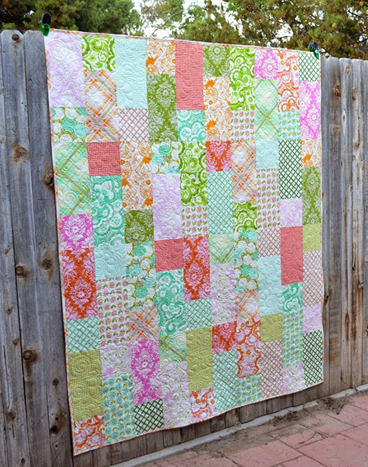 Fat Quarter Fizz Quilt made by Melissa Corry of Happy Quilting Melissa, The Pattern designed by Fat Quarter Shop
