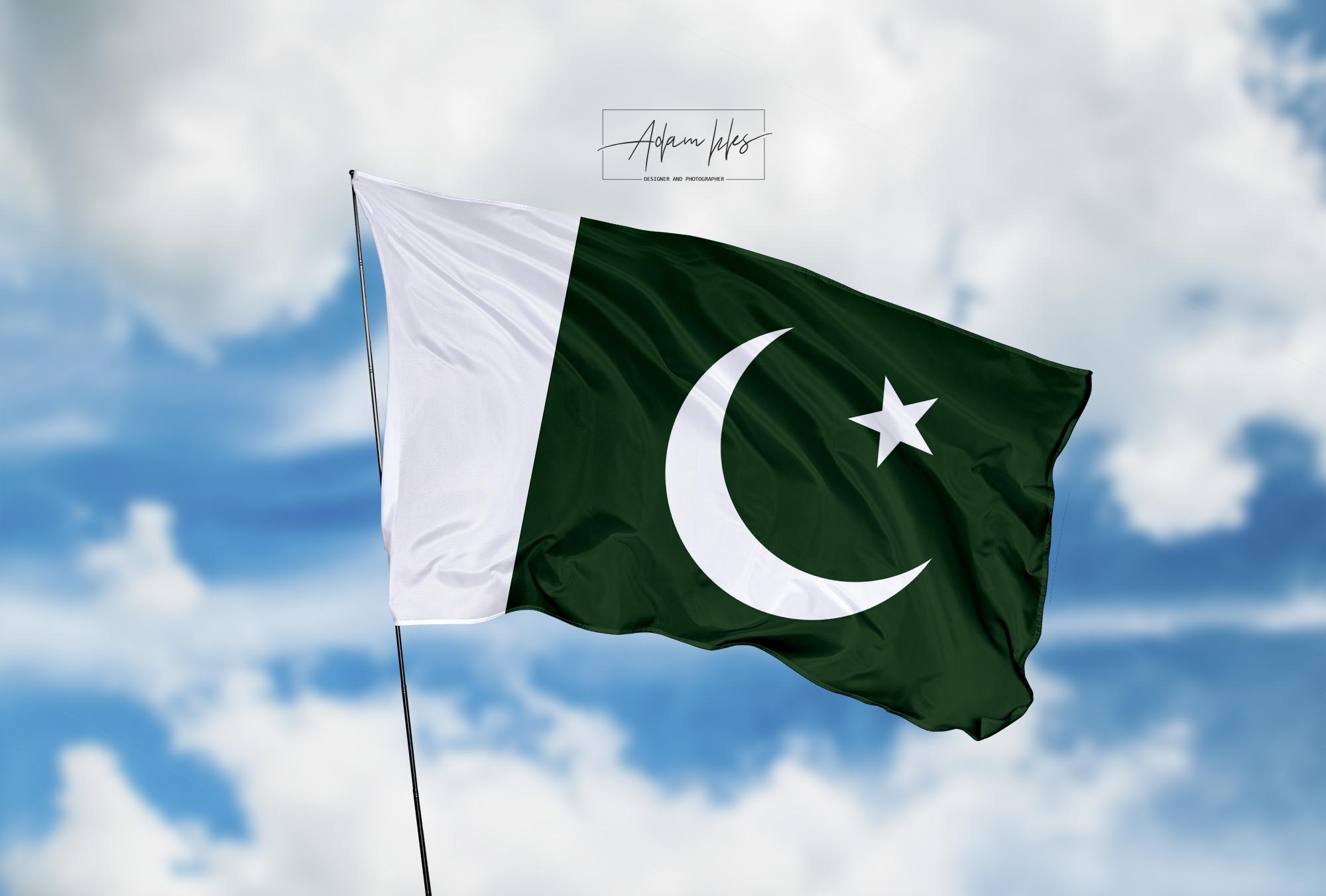تحميل اجمل خلفية علم باكستان يرفرف في السماء - اجمل خلفيات باكستان الرائعة