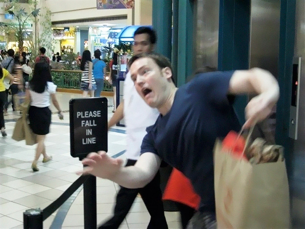 50 Hilarious Photos Of People Who Took Instructions Too Literally - Please Fall In Line