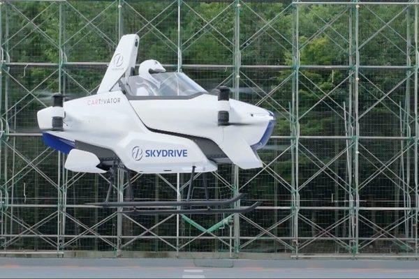 شركة SkyDrive تكشف عن تجاربها الأولى لسيارتها الطائرة (فيديو)