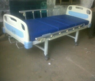 Tempat tidur rumah sakit  manual 1 engkol