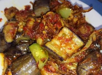 Resep Sambal Terong Pedas Enak Dimakan dengan Nasi Hangat dan Kerupuk