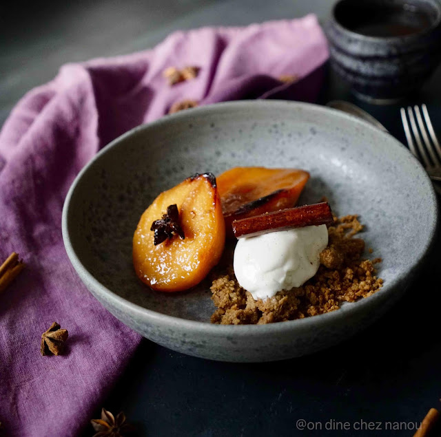coings , cuisson au four , épices, dessert d'automne , crumble , farine chataîgne