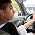 Jovem sem braços é aprovado em exame de condução