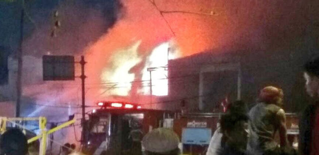 Bencana Malam Tahun Baru 2017, Pasar Kranji Bekasi Terbakar Kena Petasan