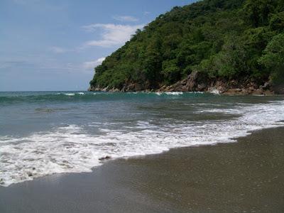 Wisata Pantai Nanggelan Jember