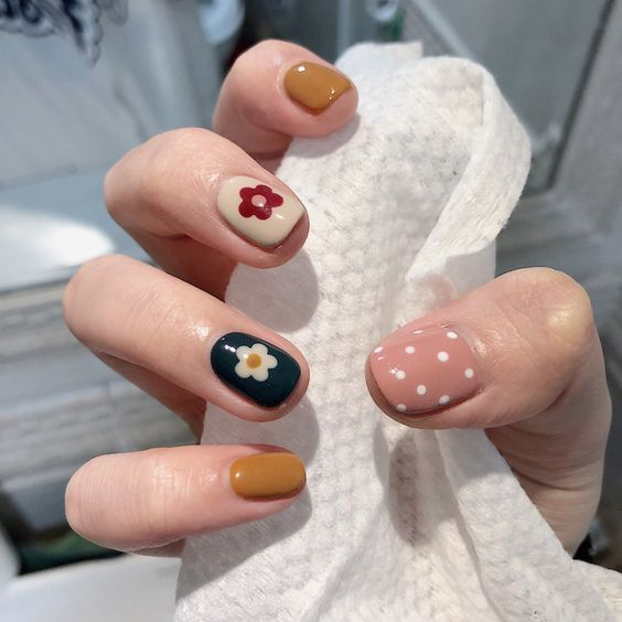Cute Nail Designs for Every Nail - Nail Art Ideas to Try 💅 32 of 50