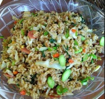 cara membuat nasi goreng pete komplit