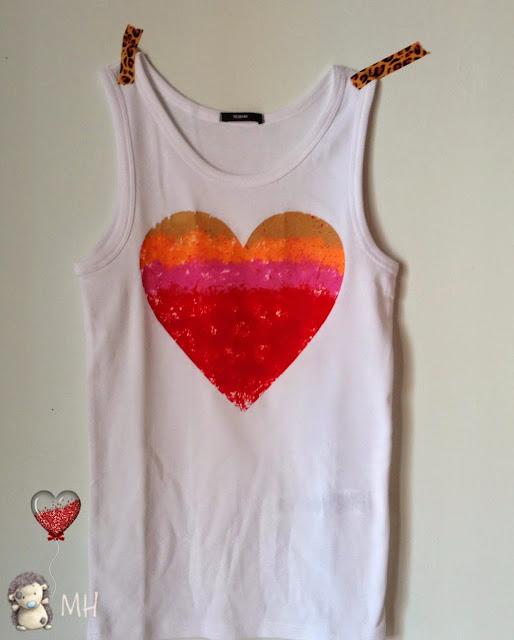 Camiseta con corazón de plastidecor