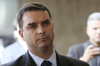 Flávio Bolsonaro é chefe de organização criminosa que desviava dinheiro, aponta MP