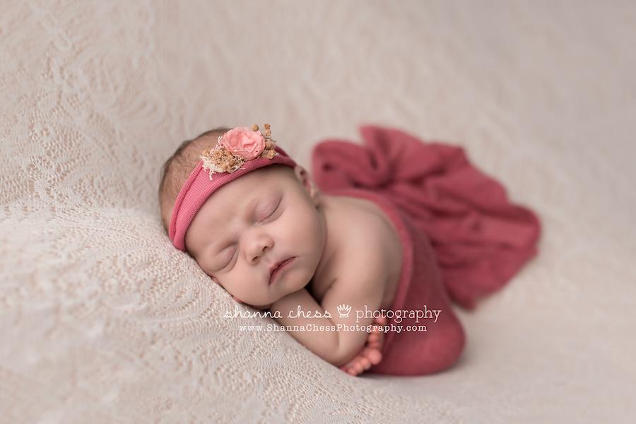 eugene oregon professional newborn photographer
