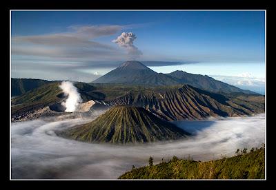 Gunung+Bromo Misteri Misteri Alam yang Sulit Diterima Nalar dan Logika Manusia