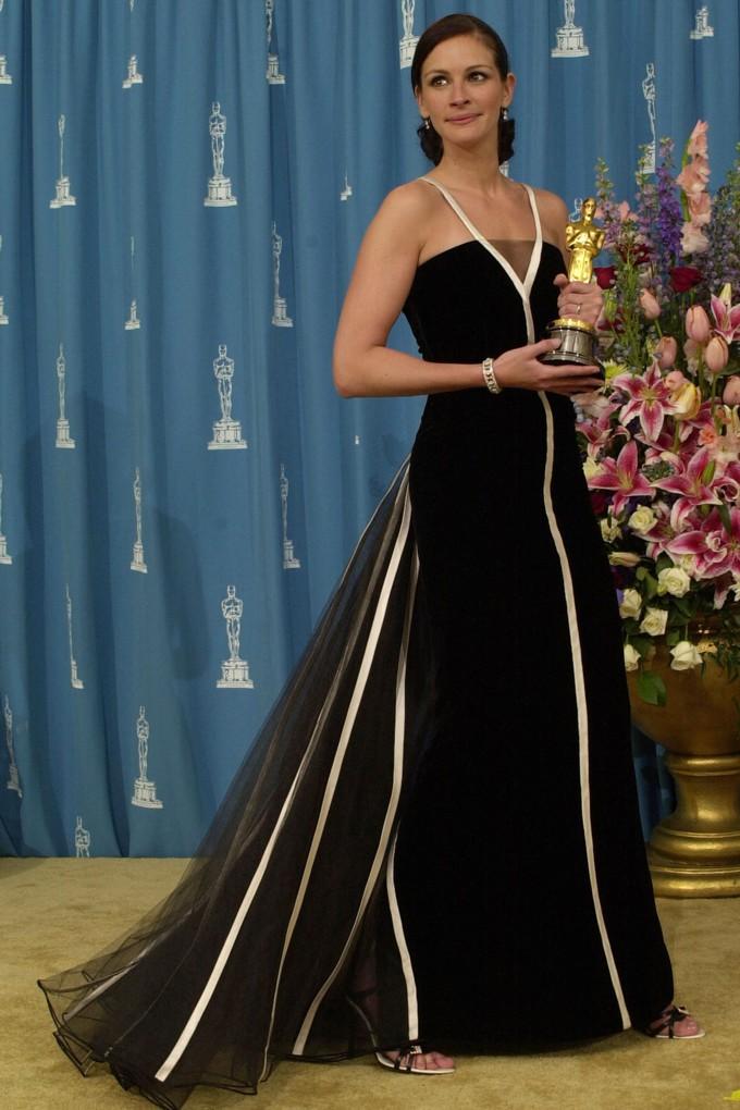 Os 10 vestidos mais icônicos do Oscar através dos tempos