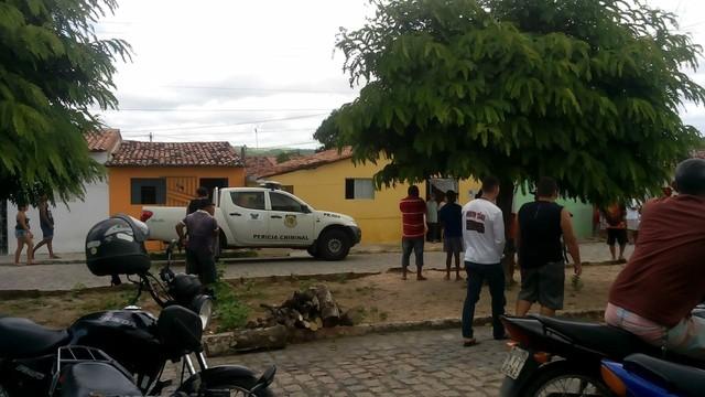 Mãe e filho são assassinados dentro de casa em cidade do interior do RN