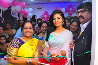 Sreemukhi Launches Manvis Saloon  0065.jpg