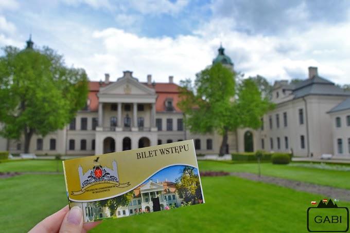 Zwiedzanie pałacu w Kozłówce