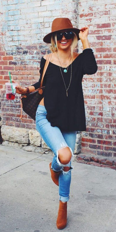 With summer collapsing into fall, dish out the blazers, berry lipsticks and layers. Have a look at these 24 Comfy and Goto Fall Fashion to Wear Everyday. Daily Style via higiggle.com | #falloutfits #fashion