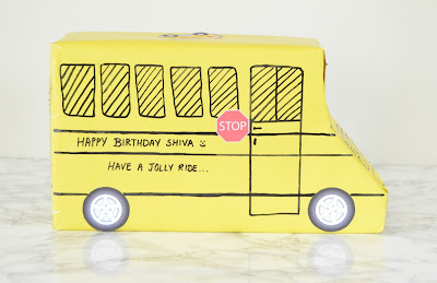 Easy gift wrapping ideas - school bus gift wrapping perfect for back to school season parties