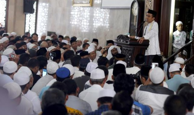 Contoh Khutbah Idul Fitri ustadz Abdul Somad