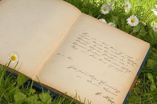Peranan Puisi Sebagai Karya Sastra Bagi Kehidupan Manusia