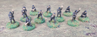 15mm German crew and officers