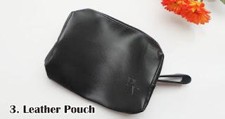 Leather Pouch merupakan salah satu pilihan isian hampers menarik untuk awal tahun