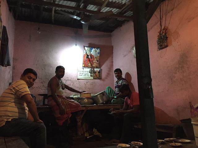 swapan-babur-pork-curry-shop-restaurant-garia-railway-station-kolkata
