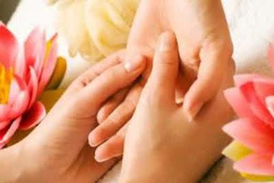 Cara Alami Menghaluskan Telapak Tangan Yang Kasar