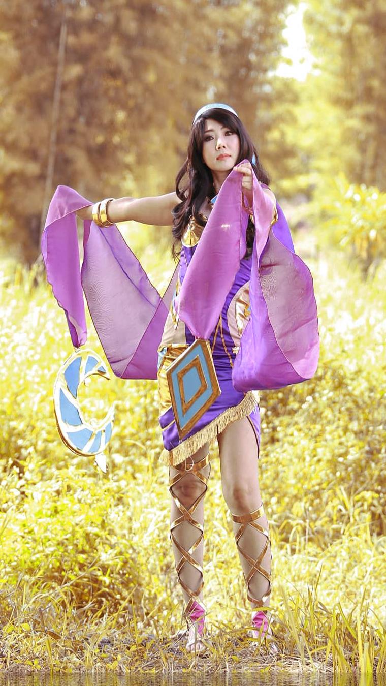 cewek seksi dan manis Wallpaper Cosplayer Semok Esmeralda