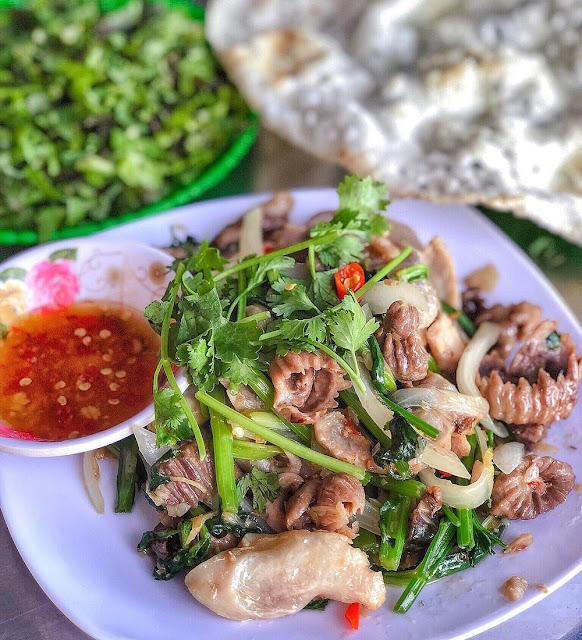 Tê lưỡi với lòng cá bò gù, ẩm thực nổi danh của Phú Yên