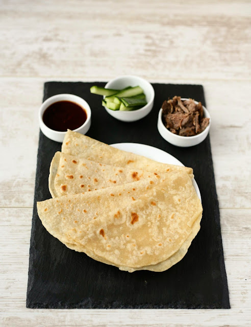 Easy Homemade Chinese Pancakes for Peking duck or Aromatic duck at home. www.goodfoodshared.blogspot.com