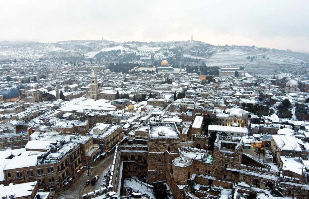 Jerusalem celebrates snow for the first time in 8 years - Palestine