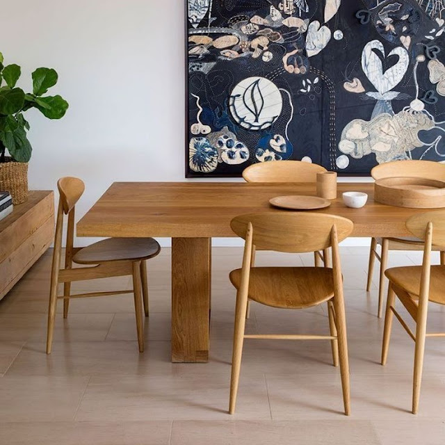 Kursi Kayu Minimalis Ala Cafe untuk Ruang Tamu Kecil