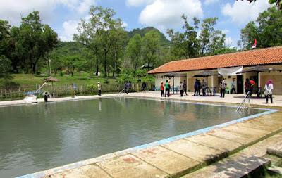 kolam renang banyu panas palimanan cirebon