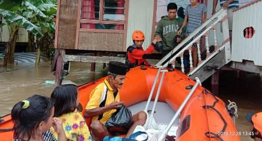 Kab. Barru Dilanda Banjir, Basarnas Makassar, Terjunkan Tim Ke Lokasi
