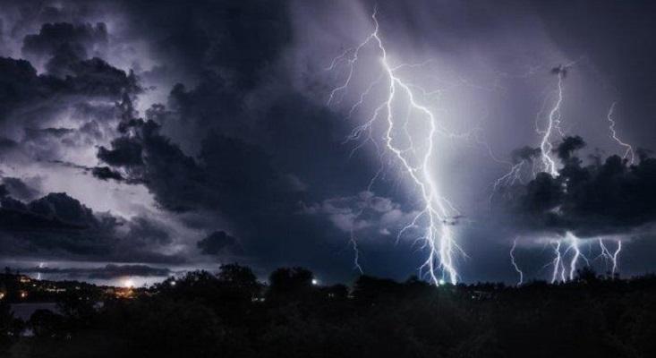 Update BMKG:  Peringatan Dini Cuaca Jawa Tengah, Hujan Lebat Disertai Angin Kencang
