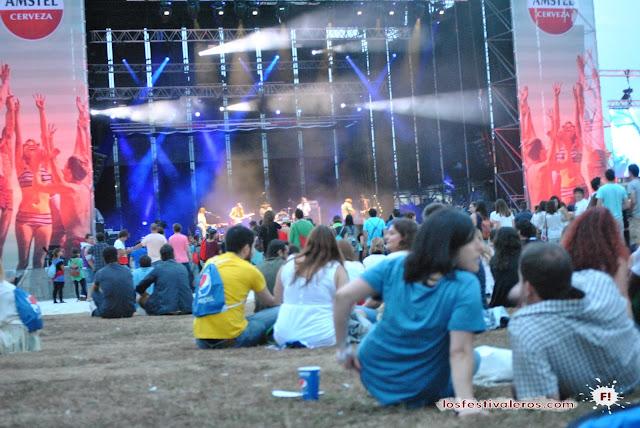 El festival cuenta con un escenario principal y dos secundarios. Oihana