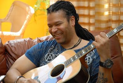 Cantautor Cubano Amaury Gutierrez