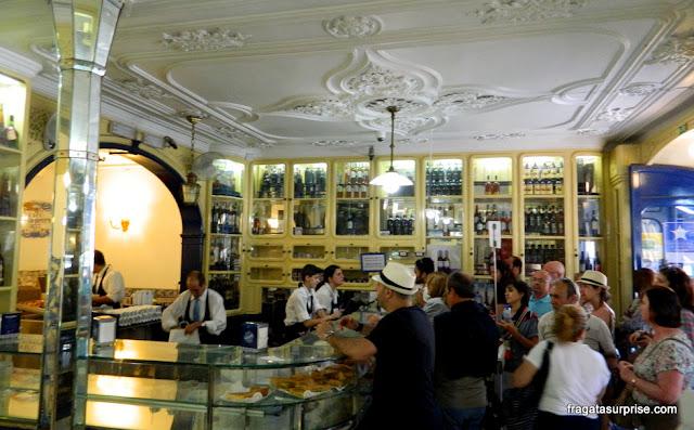 Balcão da Fábrica de Pastéis de Belém, Lisboa, Portugal