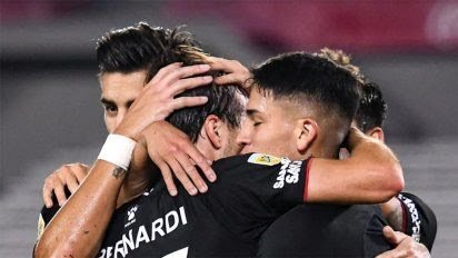 Colón le ganó a Arsenal y ya se metió en los cuartos de final de la Copa de la Liga