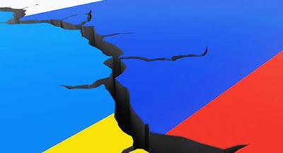 """Порошенко підписав закон про неподовження """"великого договору"""" з Росією"""